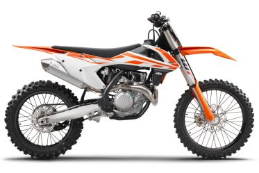 141636_ktm-450-sx-f-90de-right-my2017-studio