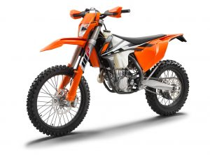 142490_ktm-500-exc-f-left-front-my2017-studio