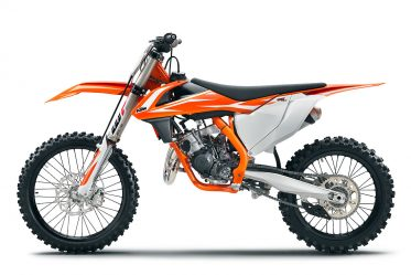 172310_KTM-125-SX-90-degree-MY-2018-studioweb