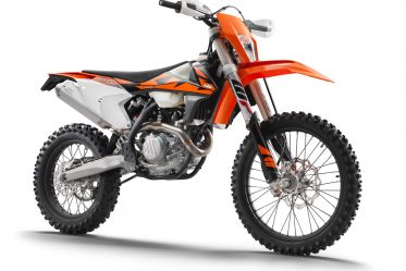 176141_KTM-500-EXC-F-EU-right-front-MY-2018-studio